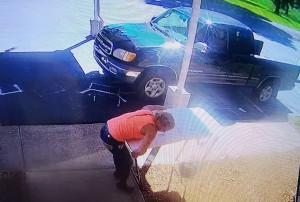 Theft Surveillance Photo1 Calloway Co Sheriffs Office
